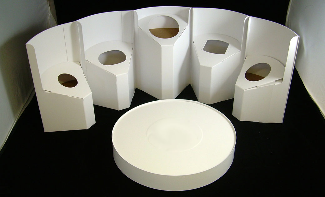 Circular display packaging for cosmetic products