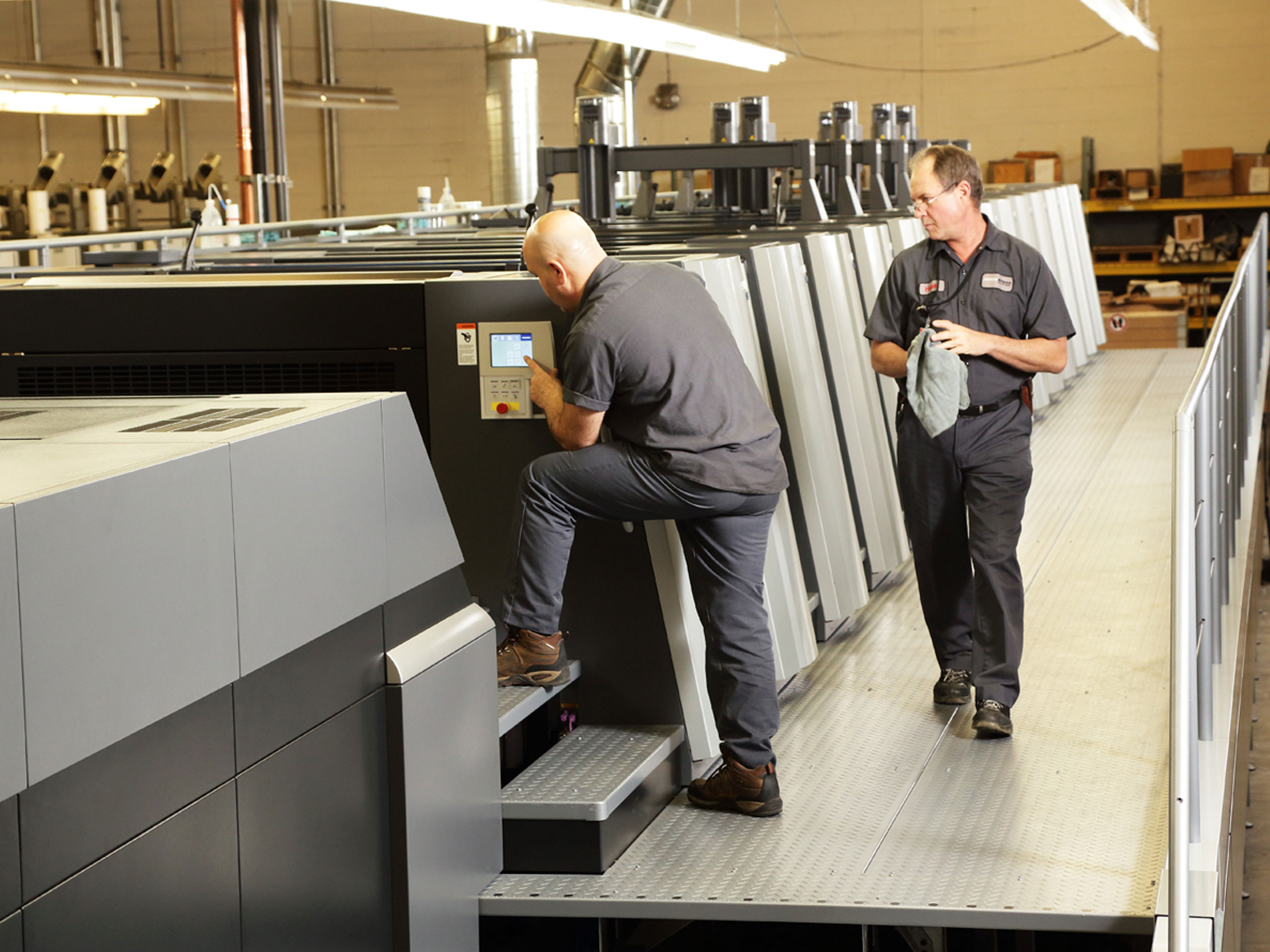 There are various commercial presses including digital presses, offset presses, letterpress printers and more