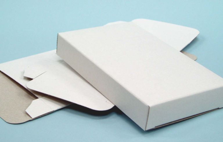 Plain White Lined Chipboard Boxes